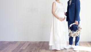 マタニティフォト ドレスの写真・画像素材[1560999]