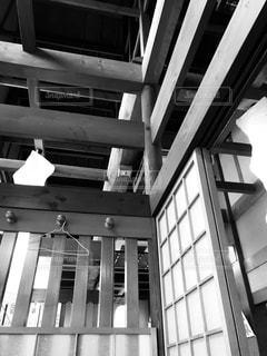 建物の白と黒の写真の写真・画像素材[888812]