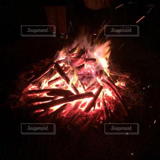 焚き火の写真・画像素材[878563]