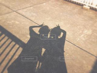 女の子の影の写真・画像素材[878648]
