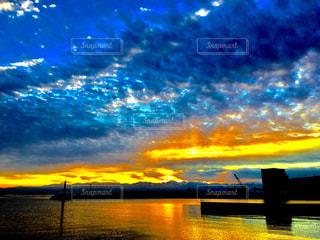 港の朝の写真・画像素材[907554]