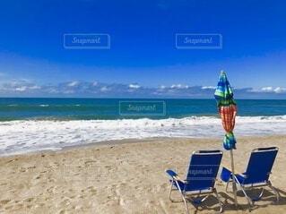 浜辺と椅子の写真・画像素材[4855172]