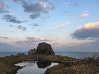 八戸。鮫角灯台近くの岩 - No.879801