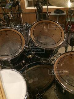 レコーディングスタジオのドラムの写真・画像素材[890383]