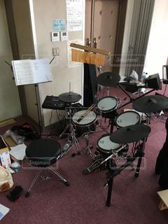電子ドラムでリハーサルの写真・画像素材[893235]