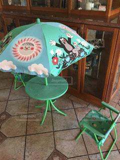 緑の椅子の写真・画像素材[1724478]