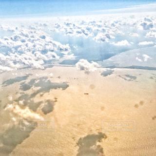 空の上の写真・画像素材[882114]