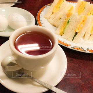 食品とコーヒーカップの写真・画像素材[883514]