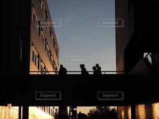 夕方と帰り道の写真・画像素材[882877]