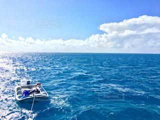 水の体のボートの写真・画像素材[932187]