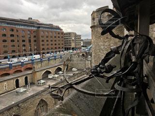 塔を守る男の写真・画像素材[883741]