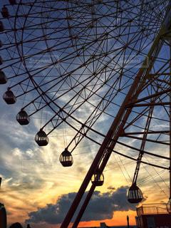 夕暮れの遊園地の写真・画像素材[883579]