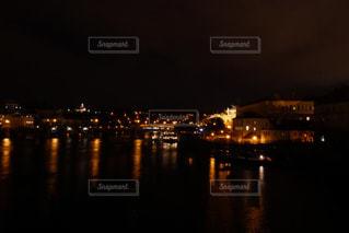 プラハ カレル橋の夜景2の写真・画像素材[883783]