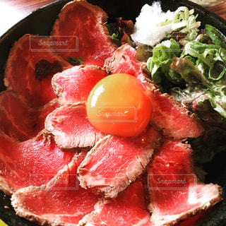 ローストビーフ丼の写真・画像素材[894219]