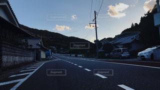 田舎道。の写真・画像素材[885159]