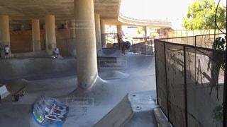 スケーター達によって作られたDIYスケートパークの写真・画像素材[885616]