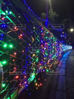 ストリートにあるクリスマスネオンの写真・画像素材[885769]