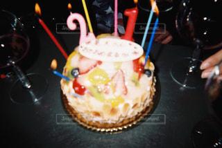キャンドルとケーキの写真・画像素材[886172]