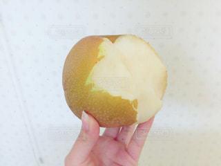 食べかけのフルーツの写真・画像素材[926182]