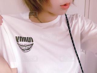 白Tシャツの写真・画像素材[1535474]