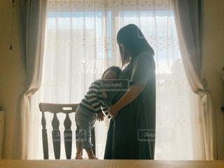 妊婦と子供の写真・画像素材[2717290]