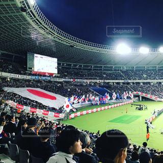 観衆の前で人々 とスタジアム - No.888505