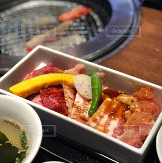 焼かれる前の肉の写真・画像素材[887207]