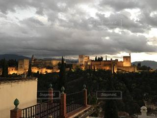 外からのアルハンブラ宮殿の写真・画像素材[887768]