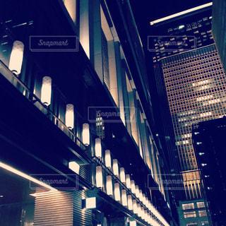スタイリッシュな夜の写真・画像素材[940109]