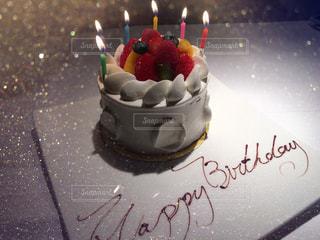 キャンドルとバースデー ケーキの写真・画像素材[890750]