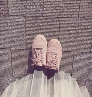 ピンクのスニーカー 女子の写真・画像素材[888912]