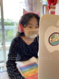 オンラインスクール中の小学生の写真・画像素材[3149966]
