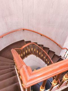 シティホテルの螺旋階段の写真・画像素材[889337]