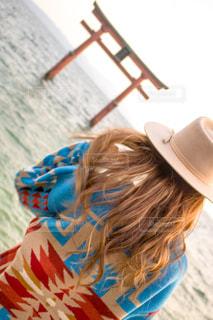 帽子をかぶっている女性の写真・画像素材[912496]
