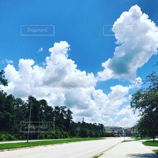 夏の空の写真・画像素材[891806]
