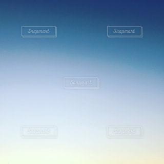 空に虹の写真・画像素材[914228]