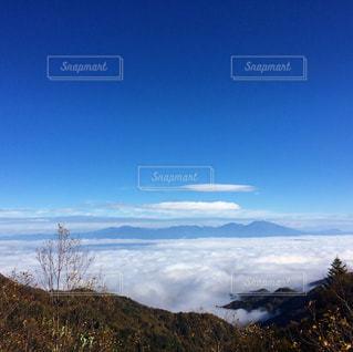 雲海の佐久平と浅間山の写真・画像素材[890494]