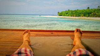 海辺でひと休みの写真・画像素材[895978]
