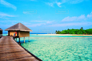 海とコテージと桟橋 - No.897949