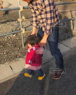 娘と散歩の写真・画像素材[913738]