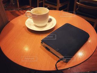 カフェで一休み - No.926292