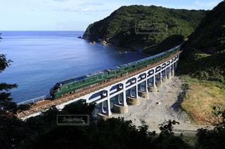 惣郷川橋梁を走る瑞風の写真・画像素材[1415839]