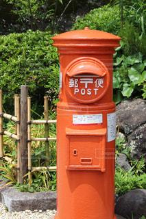 歩道の赤いボックスの写真・画像素材[1589845]