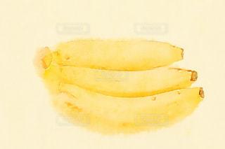 バナナ3本の写真・画像素材[1599349]