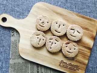 手作りカオクッキーの写真・画像素材[895198]
