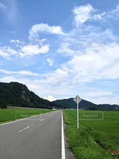 空と道の写真・画像素材[895350]
