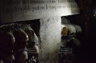 カタコンブ・ド・パリの写真・画像素材[1024548]