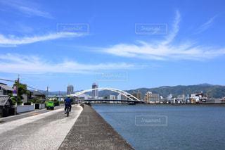 鏡川 堤防上からの風景の写真・画像素材[896423]