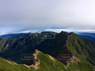 岩が多い山のビューの写真・画像素材[899591]