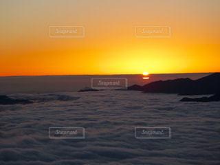 朝陽の写真・画像素材[900035]
